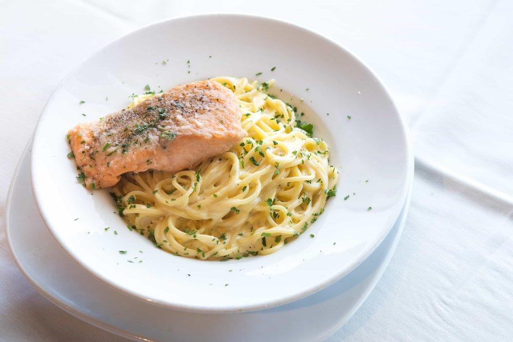 puerto-la-boca-salmon-spaghetti.jpg