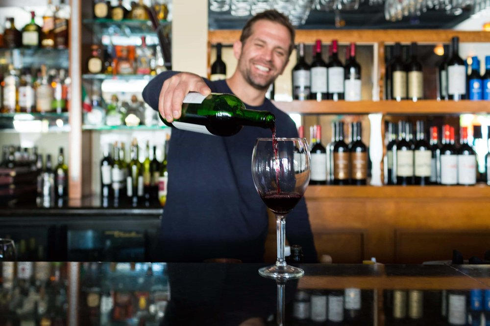 puerto-la-boca-bartender-wine.jpg