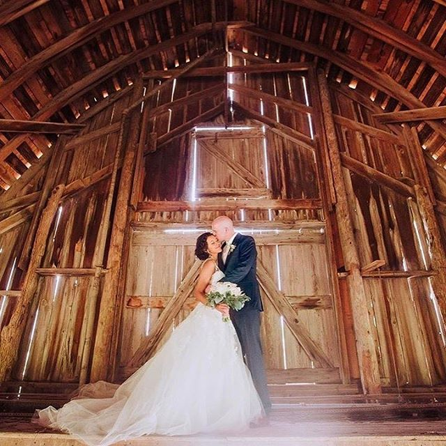 So THIS happened 4 weeks ago. I'm still flippin spritzed about it. . 📷 @mattehnes 🔥🔥🔥 . . . . #marriage #wedding #barnwedding #barn #love #cute #weddingdress #lighting #weddingphotography