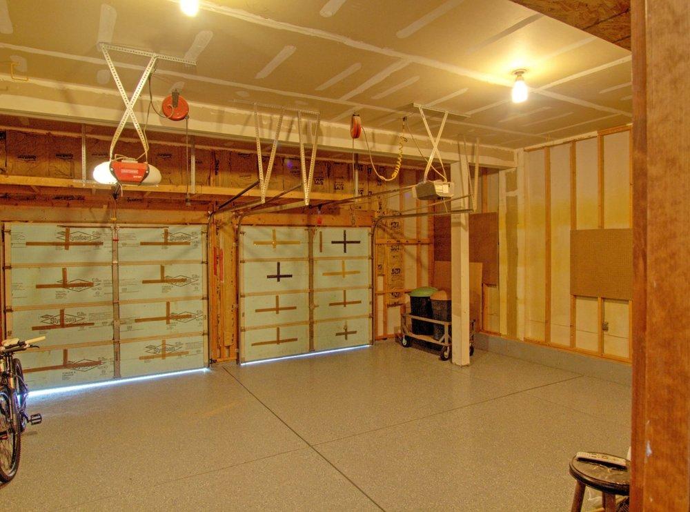 31-131-Garage.jpg