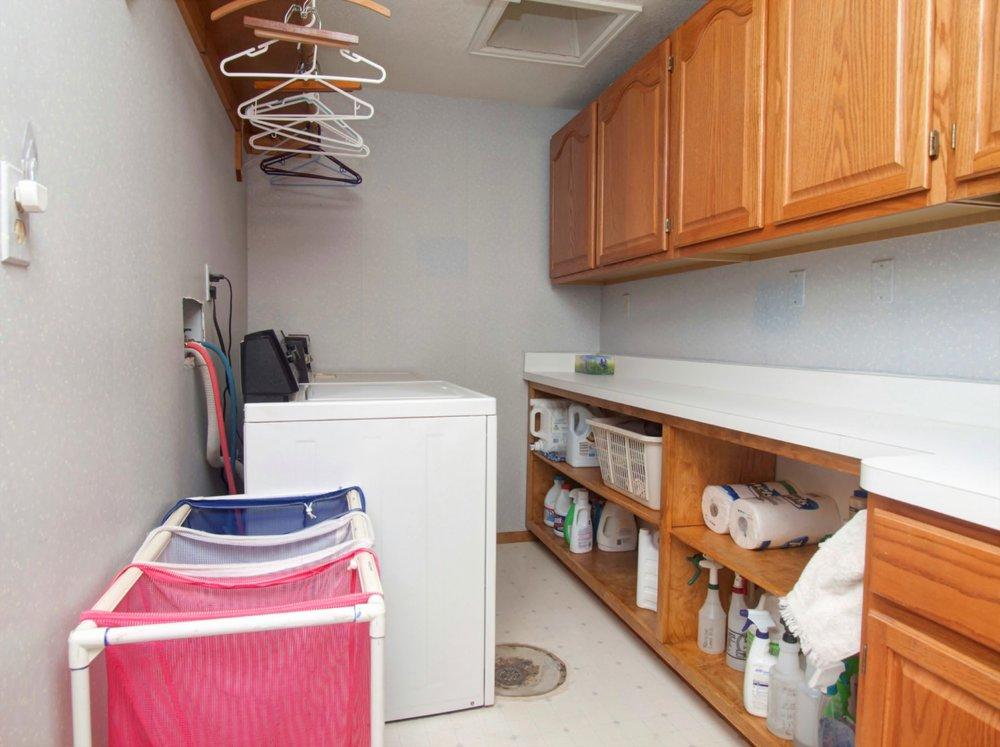 32-1834-Laundry.jpg