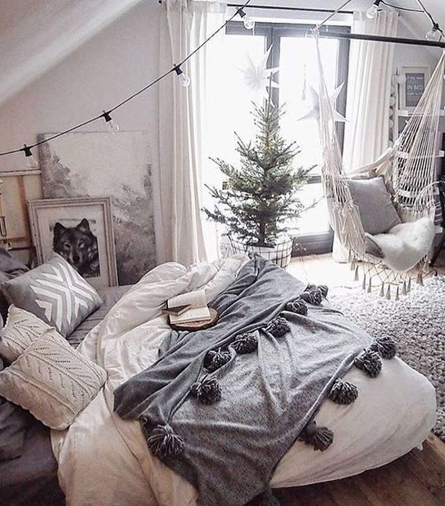 Seems like a good place to be during that awkward time between Christmas and New Years 📖📖 #loungepretty #loungewear #madeinnyc #inspo #interiors #itssocold #wintervibes 📷: @interiorblink