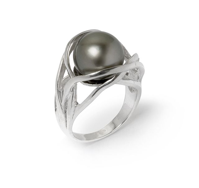 Tahitian pearl in a freeform sterling silver ring.