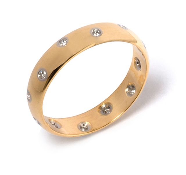 Yellow gold band with Diamonds swiss set in white gold