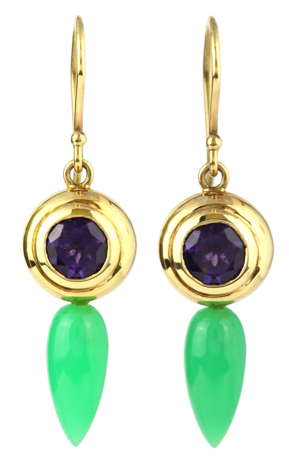 Amethyst and chrsoprase shepherd hooks earrings in yellow gold.