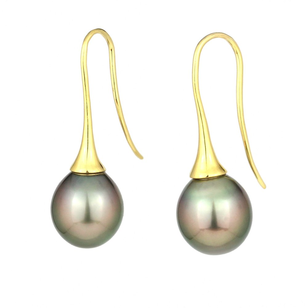 Tahitian pearls on yellow gold shepherd hooks.