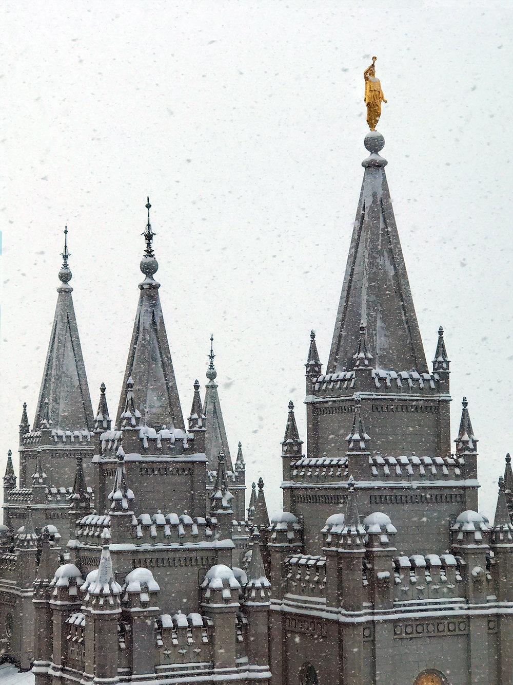 Salt Lake temple moprmon LDS.jpg
