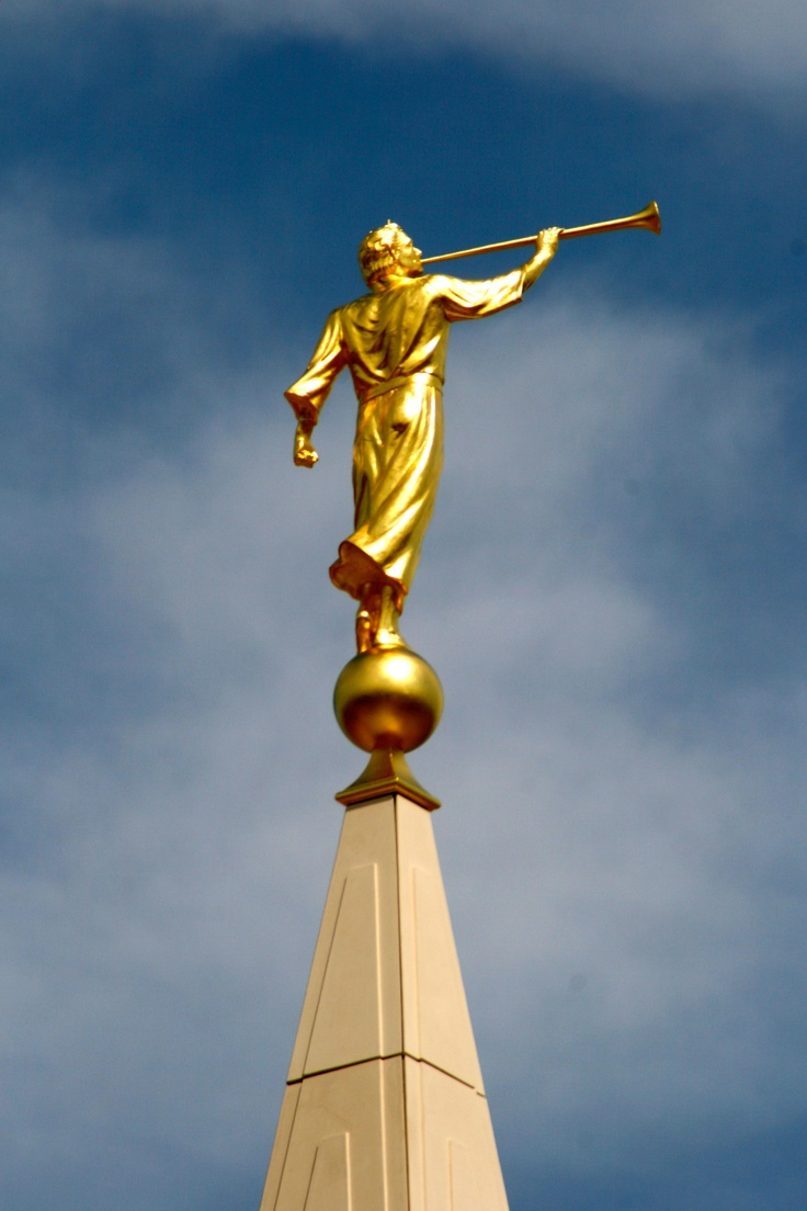 Angel Moroni Statue LDS Temple book of Mormon235.jpg