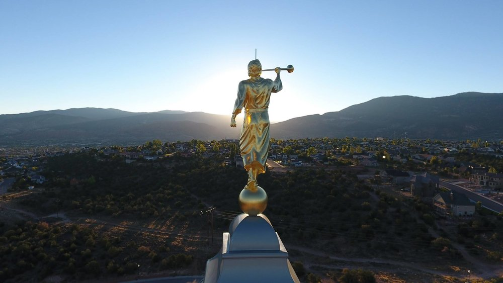 Angel Moroni Statue LDS Temple book of Mormon241.jpg