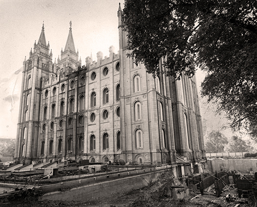 Salt Lake Temple Mormon LDS Moroni173.jpg