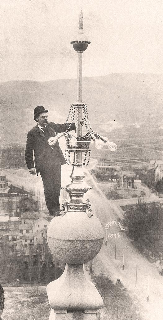 Salt Lake Temple Mormon LDS Moroni151.jpg