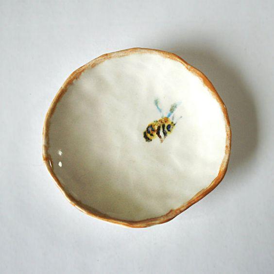 Nauvoo Beehive Mormon LDS dish collectionNauvoo Beehive Dishes Mormon LDS Collection