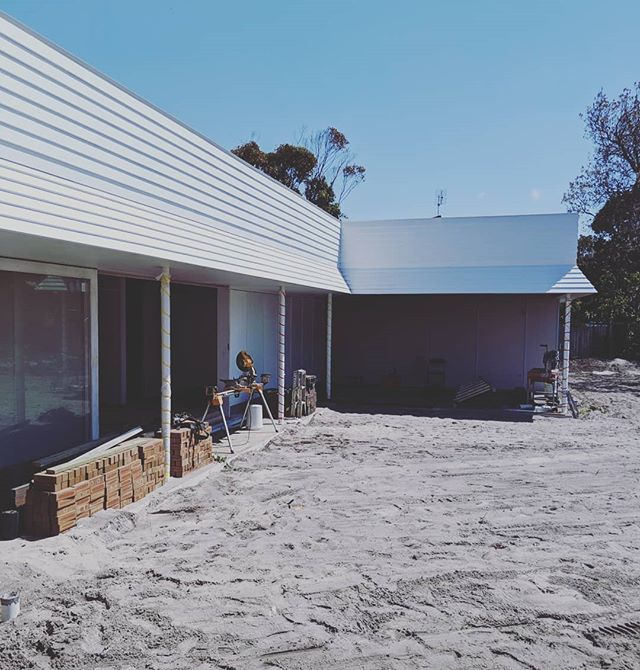 Progress at our Byron Bay project. Getting very close to handover.  Architect : @thosearchitects  Built : @mckinnon_building  Engineered : @joshneale @kaan_whit @westera_partners  #byronbay #byronbaybuilder #architecture #building #modernhomes #modern #design