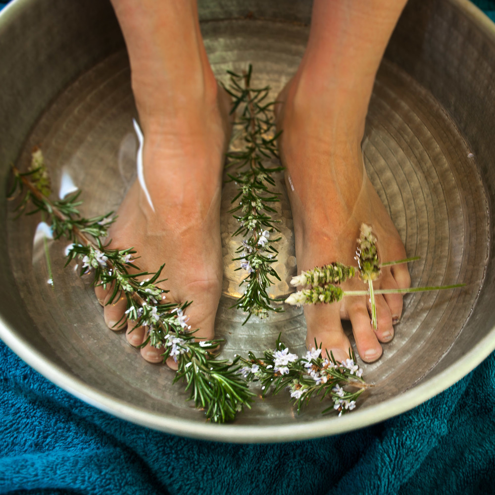 reflexology foot bath, reflexologist treatment