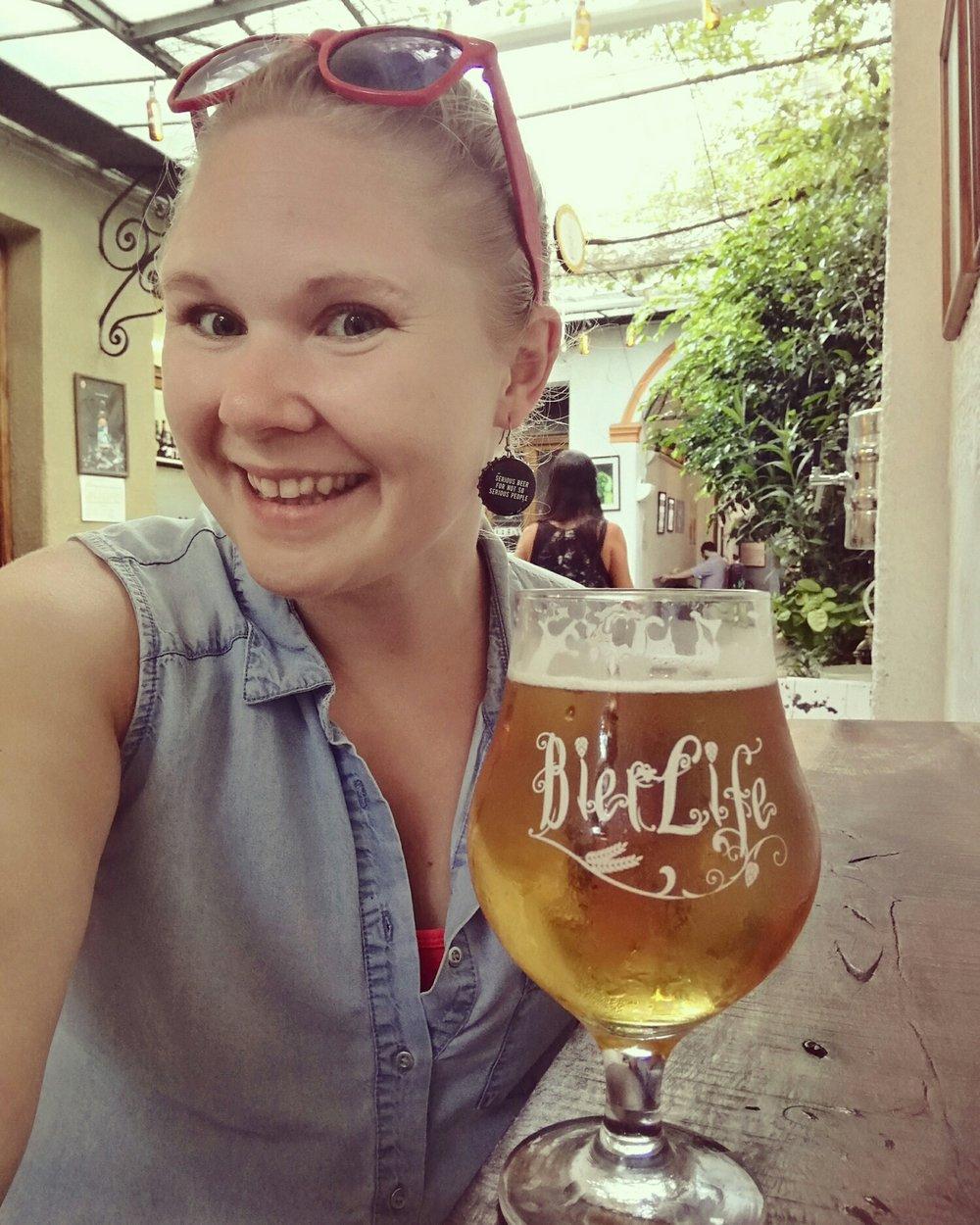 Resans bästa sällskap: en god öl och jag själv.