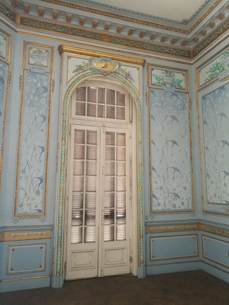 Det här rummet har målats om men jag tyckte det var otroligt vackert och passade bra in i stilen med resten av huset.