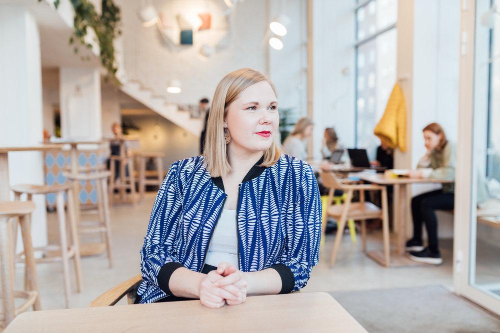 Fotades på ett av mina favoritkaféer IPI Kulmakuppila för Förlaget. Här har jag jobbat många timmar i mitt liv. Foto:  Niklas Sandström .