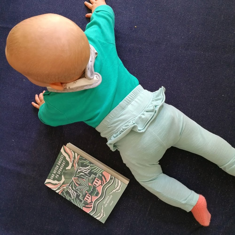 När bebis och bok matchar perfekt!