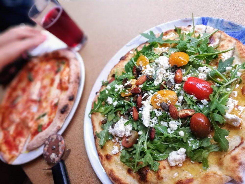 Supergod pizza på  Omnipollos hatt .