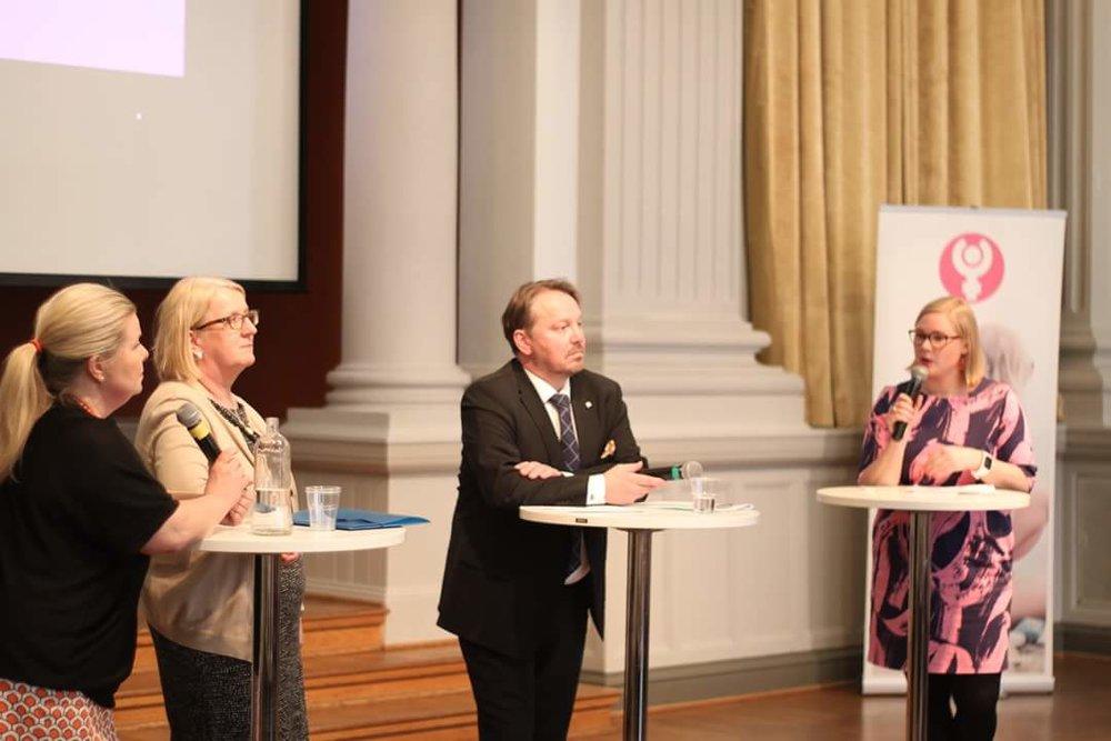 Experterna och jag. Foto: Elin Andersson/Svenska Kvinnoförbundet i Sörnäs.
