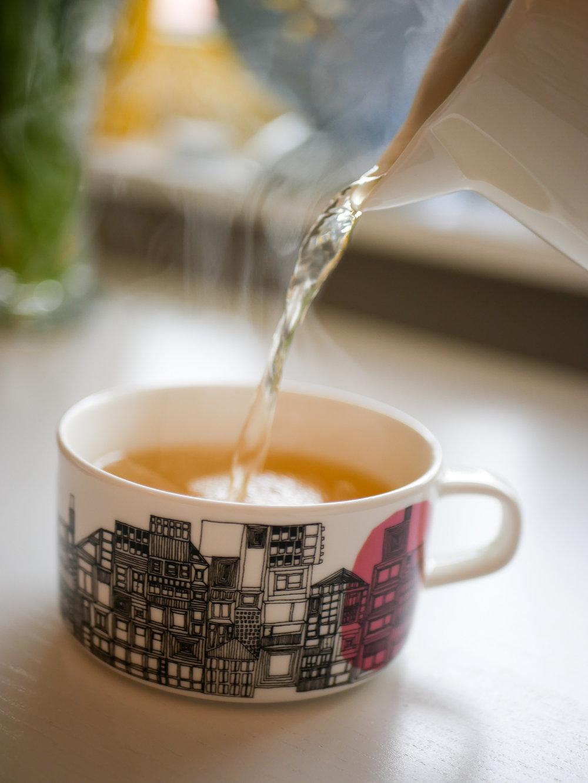 Jag passar väl på att dricka massvis med te då och njuuuuuta. Att det ska vara svårt?!