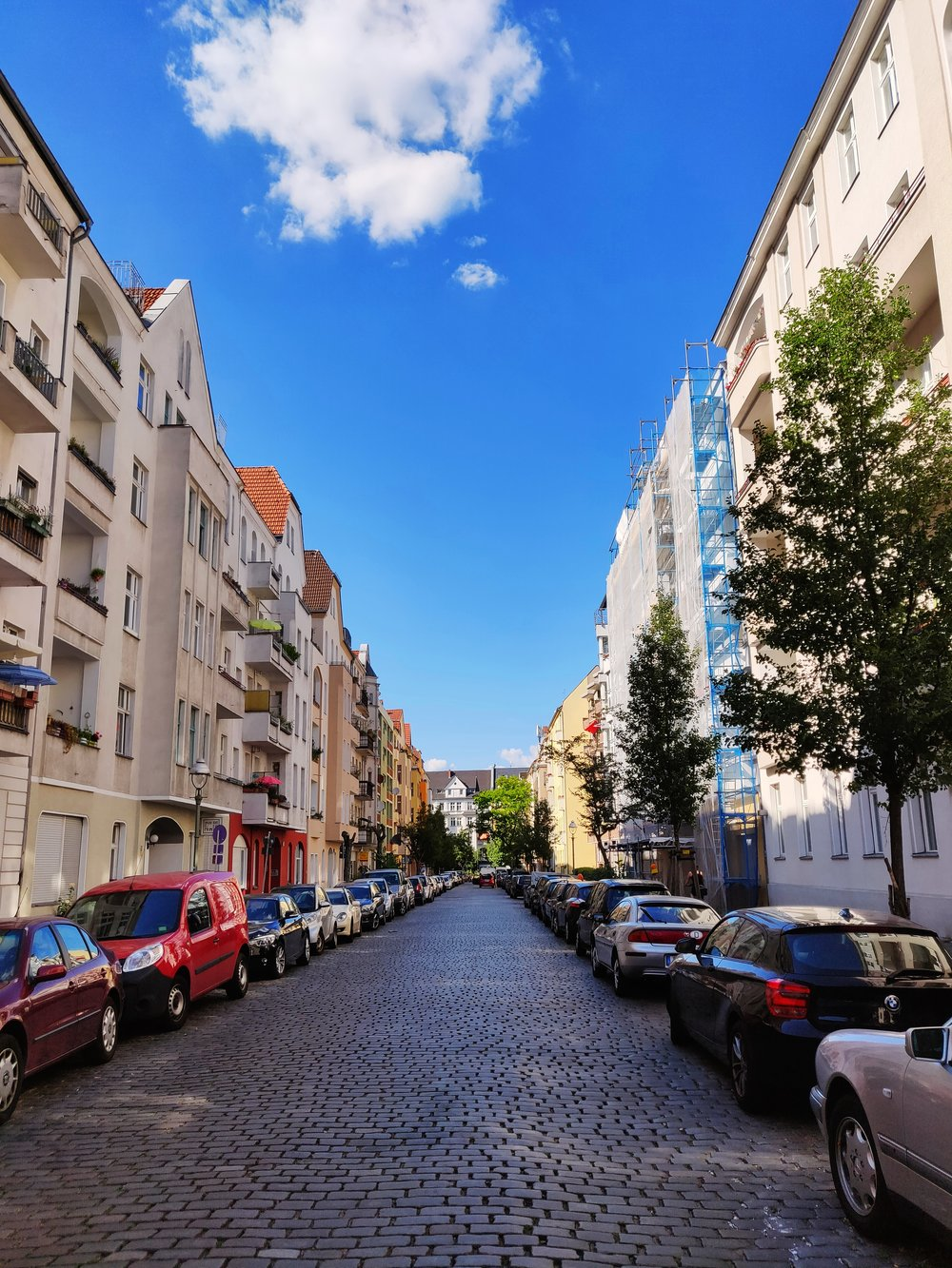 Att jobba lite är väl inte så farligt när en får vandra på gatorna i favoritstaden?!