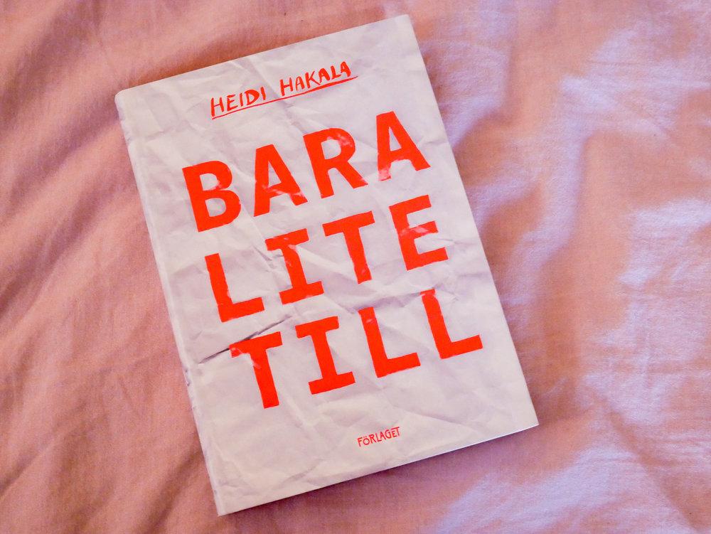 Omslaget är förresten designat av Linn Henrichson (som också gjorde omslaget till min debut). Jättefint tycker jag!!