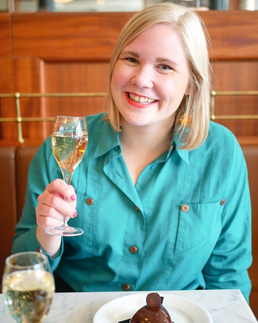 Firade mitt andra stipendium med champagne på markus och min andra dejt.