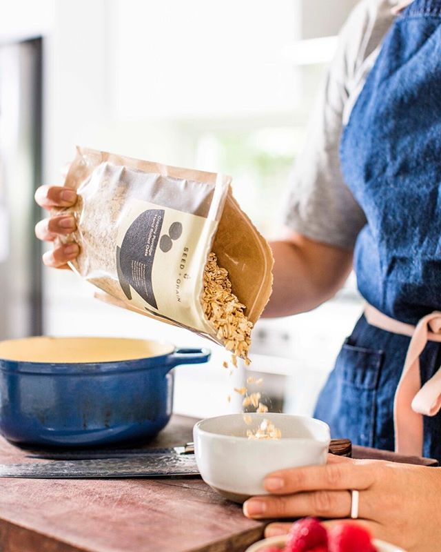 Freshly rolled oats make the best porridge and @bechudsonphotography takes the best photos. Find us at @southgeelongfm today until 1pm ✨