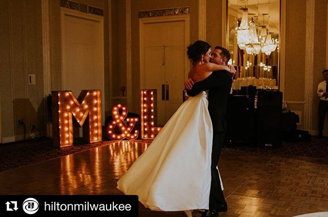 #Repost @hiltonmilwaukee with @get_repost ・・・ Married at Hilton Milwaukee ✨ #HistoricHotel 📷: @lillerphoto