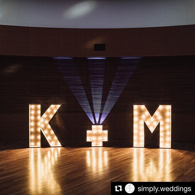#Repost @simply.weddings with @get_repost ・・・ Don't you absolutely LOVE these marquees from @ezpzmarquee with uplighting by Brenden from @kuhl_entertainment! 😍 (BTW Brenden is also a fantastic DJ & MC 🎤 🎶) Photo by @rayandkellyphoto . . . #wisconsinweddings #wisconsindj #weddingmarqueelights #weddingdecorideas