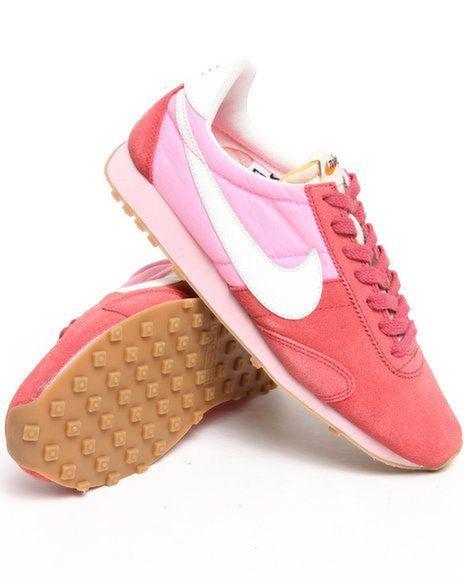 pink_nikes