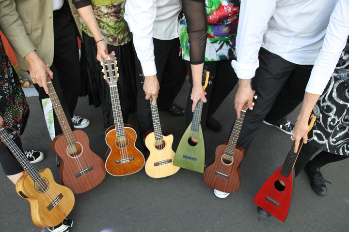 West London Ukulele - AB MUSIC ACADEMY holds an ukulele workshop every Wednesday under the guidance of Kosmas Mylon.