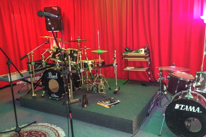 ABMA Rehearsal Studios  - Open 24h/7 days a week, our studios offer quality rehearsal facilities for the students of the Academy, and also for bands, artists and private tuition outside ABMA.