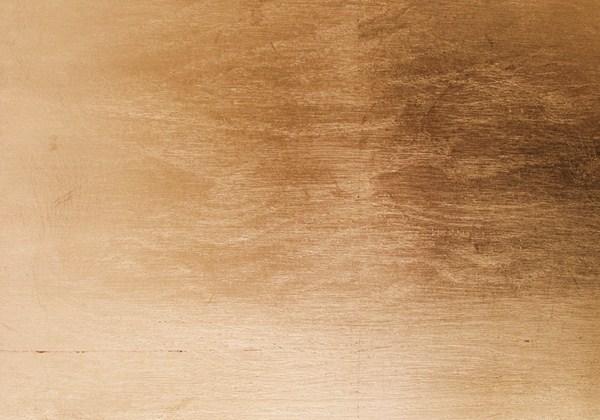26. Šlagmetalu - aukso pakaitalo lapeliais dengtas medžio paviršius.