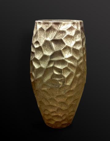 76. Sendintas sidabro paviršius ant porceliano.