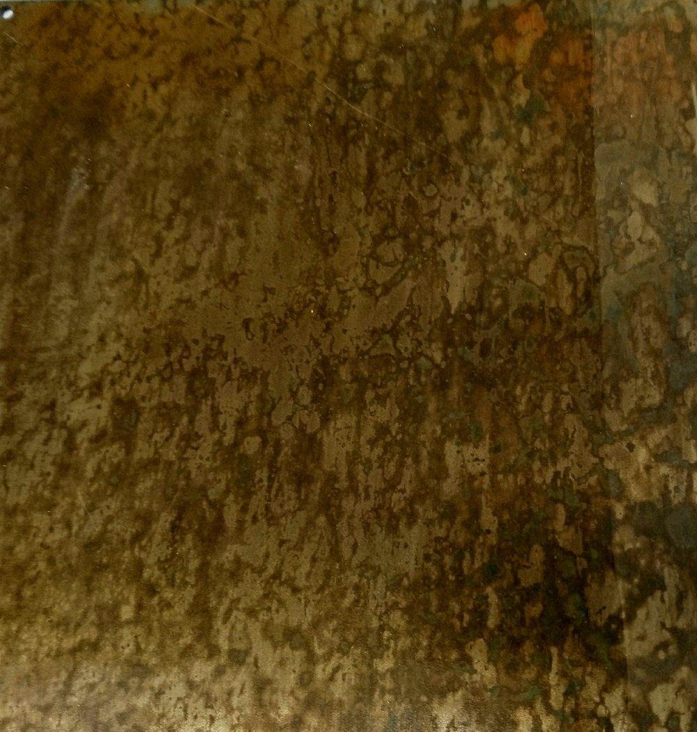 24.Tikrų rūdžių sluoksnis ant plieno.