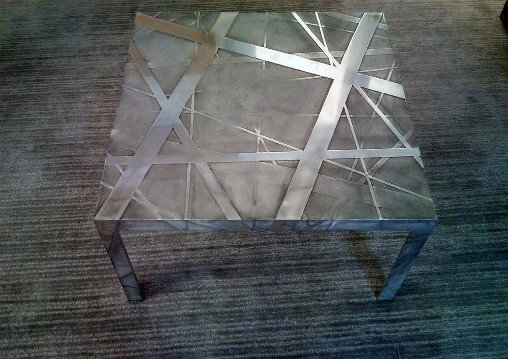 29.Ėsdinto aliuminio reljefinis stalas.