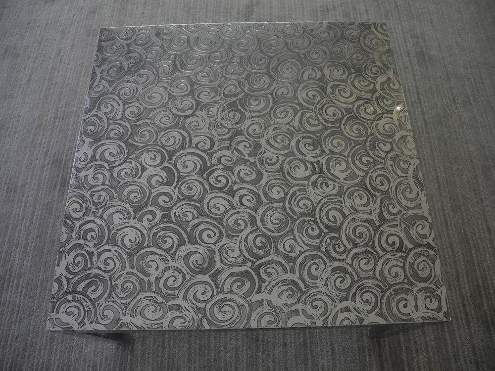 32.Reljefinis stalo paviršius padengtas aliuminiu.