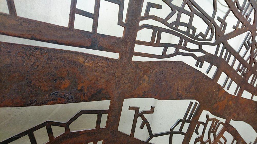 30. Rūdys išgautos ant plieno. Londono žemėlapis