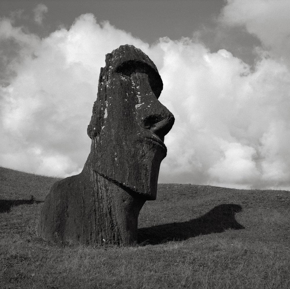 Moai Hina Riru, Easter Island