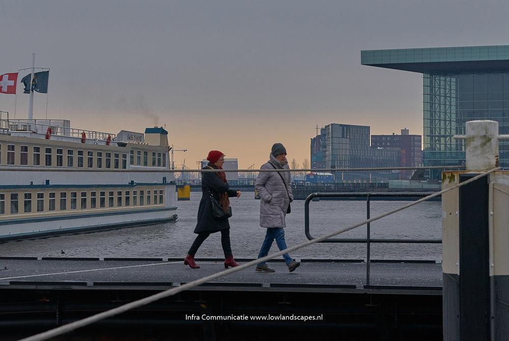Amsterdam 7:00 uur..... - Serie van omgeving Amsterdam CS eind 2017