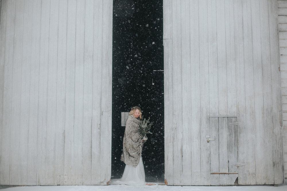 Shaker_Heritage_Barn_Wedding_040.jpg