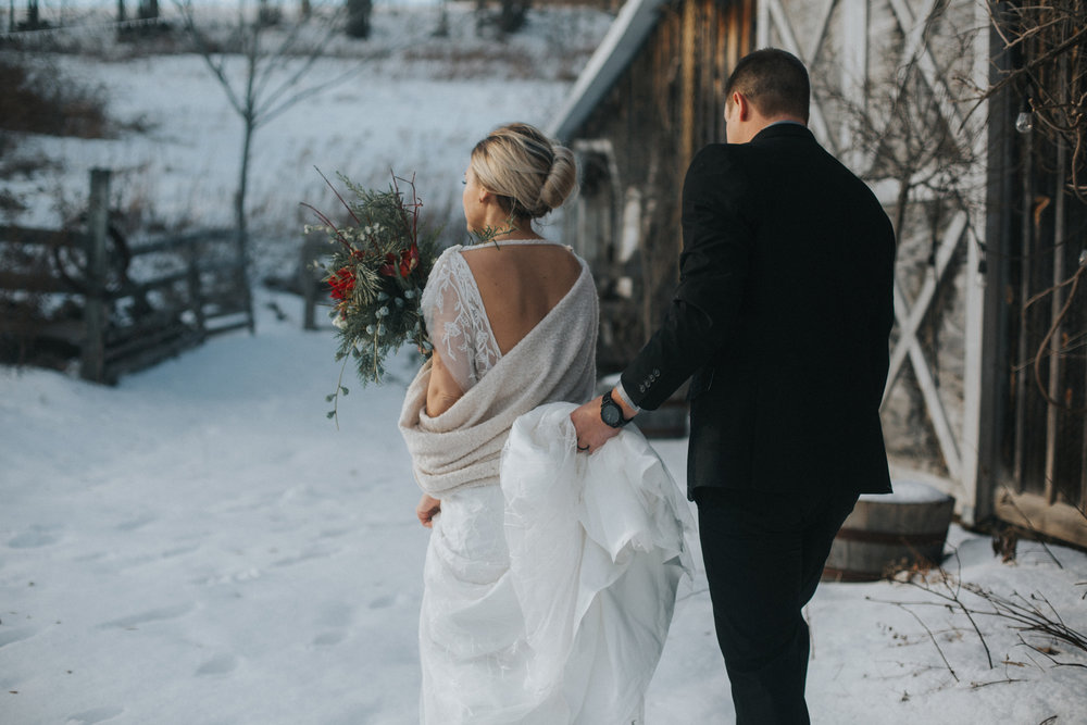 mnd_farm_winter_wedding_003.jpg