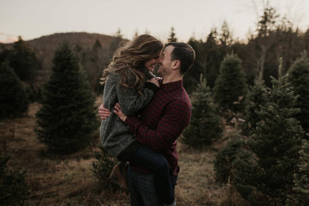 christmas_tree_farm_engagement_shoot_021.JPG