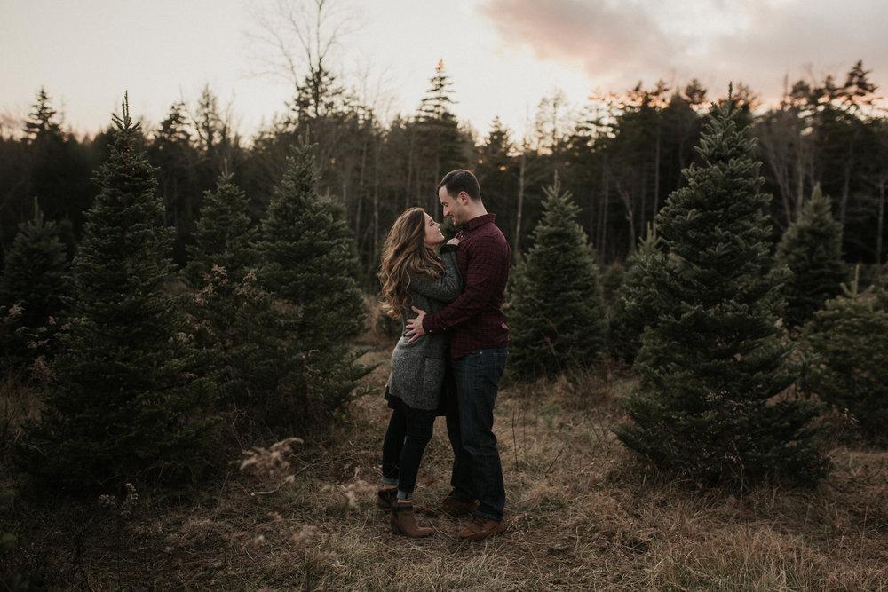 christmas_tree_farm_engagement_shoot_025.JPG
