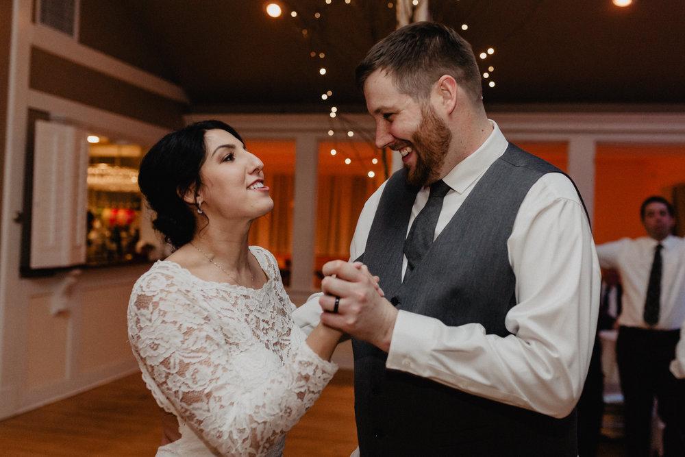 old_daley_on_crooked_lake_wedding_094.jpg