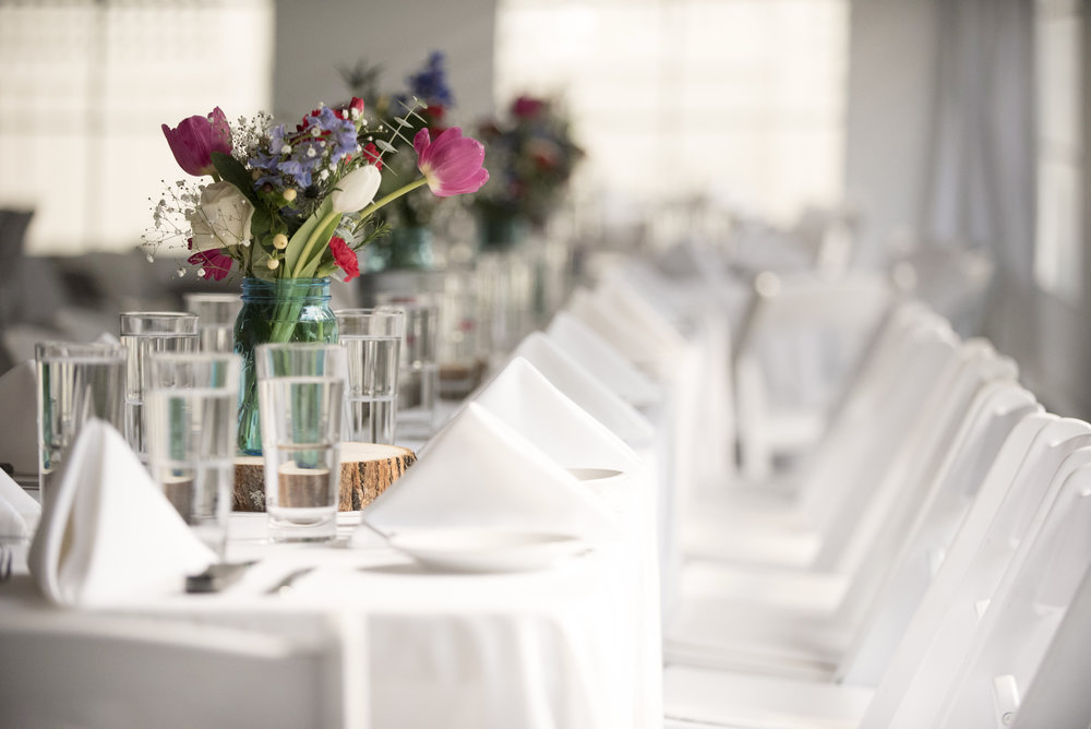 Boulder+Colorado+Bright+Airy+Wedding+Mountain+Decor+Flowers+Tables+Centerpieces.jpg