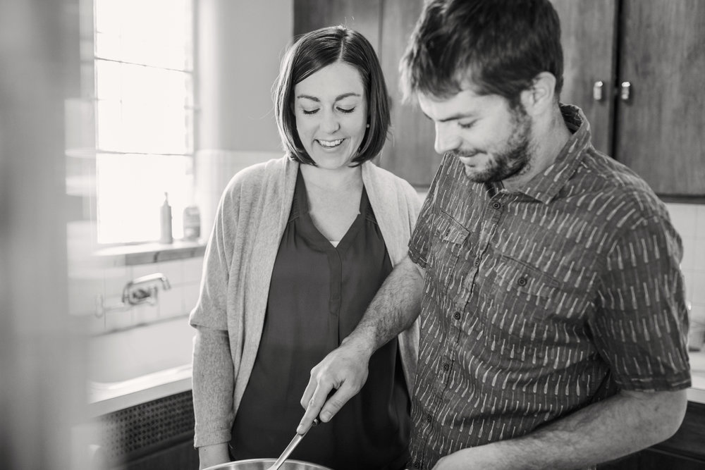 Lifestyle_Engagement_Session_In_Home_Denver_001_cooking_couple_engagederny_photo_co_colorado_farm.jpg