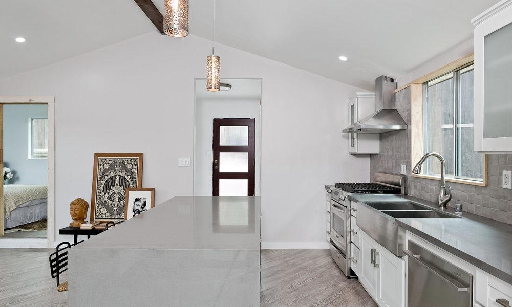 1240-Lilac-Pl-Los-Angeles-CA-print-005-Kitchen-4000x2667-300dpi.jpg